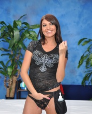 Cute 18 Year Old Massage Therapist Cassandra Nix Gives A Little More Than A Massage - Picture 5