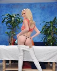 Elaina Raye Juicy Pink Pussy Fucked Massage Blowjob Hardcore - Picture 3