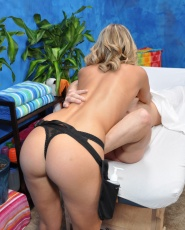 Megan Sweetz Gives A Little More Than A Massage - Picture 7